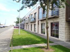 Recent appartement op een rustige ligging te Zeebrugge en op een steenworp van de jachthaven. Bestaande uit : leefruimte met balkon, ingerichte open