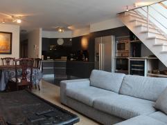 Gemeubeld duplexappartement Lippenslaan Knokke Lippenslaan Knokke: luxueus gemeubelde duplex met ruime living, volledig ingerichte keuken met Amerikaa