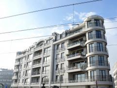 Centraal gelegen appartement in Blankenberge Centraal gelegen en verzorgd appartement met inkomhal, toilet, leefruimte, inbouwkasten, volledig ingeric