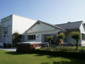 Ruime villa met een uitgestrekt polderzicht rustig gelegen in een villawijk te Westkapelle. Mooie en ruime villa met een uitgestrekt polderzicht en ee
