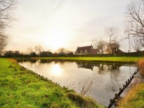 Schitterende villa met poolhouse, binnenzwembad, weiden, uniek zicht op open velden en slechts op enkele minuten van Knokke. Deze riante villa, gelege