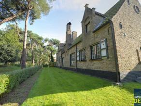 Klassieke villa afgewerkt met kwaliteitsvolle materialen rustig gelegen op een grond van 1931m², toegankelijk via een private oprit, grenzend aan