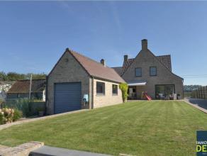 Recente  ongemeubelde villa met 3/4 slaapkamers en garage gelegen te Oostkerke  genietend van een prachtig open zicht op de Polders.INDELING: Inkomhal