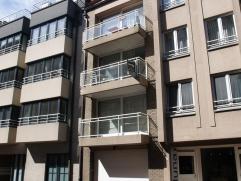 - nabij de Lippenslaan.- 2de verdieping- een terras aan de voorzijde & achterzijde- fietsenberging + ruime kelder- mogelijk om nog een staanplaats