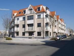 Newport:- 3de verdieping- 3 slaapkamers- garagestaanplaats inbegrepen- euro 80/ maand syndic- beschikbaar 01/04/2015