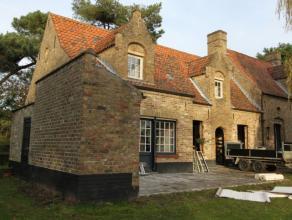 Te huur ongemeubileerd : charmante, gedeeltelijk gerenoveerde villa gelegen in de tuin van de Royal Zoute Golf. De villa heeft een zeer aangename woon