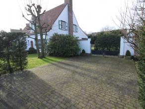 Te huur ongemeubileerd : zeer charmante villa gelegen in het Zoute, nabij het Zwin en het Oosthoekplein. Deze villa bestaat uit een sfeervolle woonkam