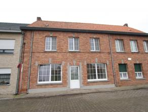 Ruime woning met 4 slaapkamers, tuin en garage in het centrum van Middelburg.  De woning bestaat uit: Inkomhal, Ruime living, afzonderlijke keuken,