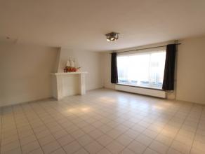 Ruim en verzorgd 3 slaapkamer appartement.  Bestaande uit: Ruime woonkamer, 3 slaapkamers, grote en volledig ingerichte keuken met ruime eetplaats.