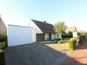 Mooie alleenstaande villa te Duinbergen, perfect onderhouden en instapklaar. <br /> <br /> Deze villa beschikt over: inkomhal met gastentoilet, ruime