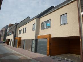LAATSTE! Nabij het centrum van Lichtervelde worden 3 eigentijdse woningen met stadstuin of zonneterras gebouwd. De nieuwbouwwoningen hebben een zeer k