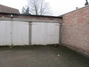 Deze garagebox heeft een betonnen vloer en is beschikbaar vanaf 1 februari 2015.