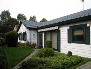 OPENDEUR op zat. 10 oktober van 15h tot 17h.  WELKOM!Alleenstaande bungalow met 3 slaapkamers, garage en tuin in een rustige buurt te Assebroek.  Deze