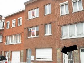 Appartement situé au rez-de-chaussée avec un jardin et une terrasse, living, cuisine équipée, salle de bains, chambre &agr
