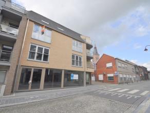 Dit nieuwbouw handelspand / kantoor, bouwjaar 2014, heeft een oppervlakte van 89m² en is gelegen in het centrum van Aalter. Het hoekpand op een z
