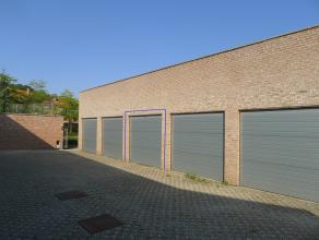 Subliem gelegen garage in het centrum van Brugge. De garage is voorzien van een automatische sectionale poort, verlichting en een stopcontact. Het gar
