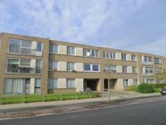 Dit gerenoveerde appartement (2014) met 3 slaapkamers en balkon is gelegen in het rustige Male (Sint-Kruis). Indeling: Inkomhal, Leefruimte met open k