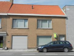 ruime en instapklare woning met garage en tuin te Diksmuide-Kaaskerke omvattende een inkomhal, klare living, modern ingerichte keuken, ingerichte badk