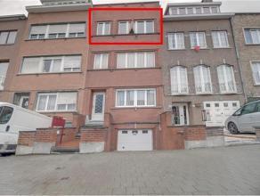 Situé près de la rue de Wand, au 2ème étage sans ascenseur appartement de 60 m2 comprant un salon, une salle à mang