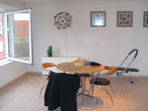 Appartement op de 2e verdieping van een recent gebouw dat zich vlakbij de haven van Blankenberge bevindt. Dit appartement bestaat uit: - inkomhall; -