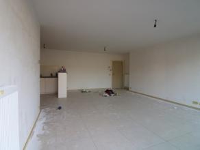 Nieuwbouwappartement op de tweede verdieping van de residentie Rigoletto, vlak bij het centrum van Blankenberge. Het appartement bestaat uit: - grote