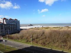 """Residentie """"Poseidon"""" ZEEZICHT!! Geniet van dit prachtige uitzicht vanop het mooie terras van dit doorlopend appartement met 2 slaapkamers. Dit appart"""