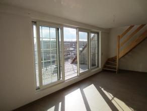 Prachtig, zonnig DUPLEX-appartement (110m²) met 2 slaapkamers, 2 terrassen en private ruime berging. Op 4ÂV met lift, in de standingvolle r
