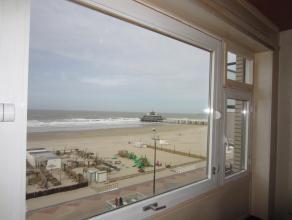 Te huur op jaarbasis: ZEEDIJK Ongemeubeld, vernieuwd appartement, gelegen op het 4° verdiep op de Zeedijk, vlakbij de winkels en het openbaar verv