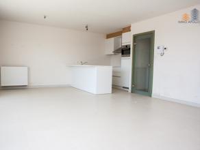 Villa Lelantina Groot duplex dakappartement met twee slaapkamers. Zwembad, volleybal-, petanqueveld. Zeer zonnig, open uitzicht.