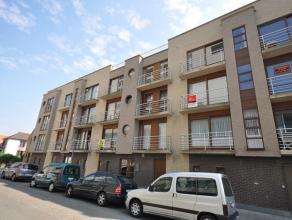Recent appartement vlakbij zee en duinen - 2e verdieping met lift - inkomhal - living 25m² met open geïnstalleerde keuken en aansluitend ter