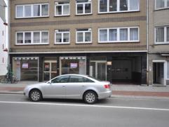Garagebox NUMMER 20gelegen op de 2e verdieping van een afgesloten parkingcomplex - vlakbij centrum Oostende.  Afmetingen: 2,50m x 7m