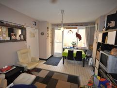 Een bemeubeld appartement gelegen op de benedenverdieping aan de Zeedijk centrum Oostende - 42 m² woonoppervlakte - inkomhal met apart toilet - l