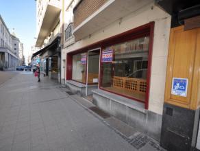 Handelsgelijkvloers 90m² - gelegen tussen Wapenplein en Groentenmarkt - 90m² winkeloppervlakte - 6 meter gevel -    Huurprijs: 1825 euro