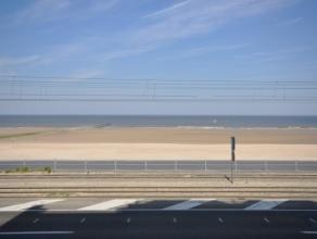 Goed onderhouden appartement met garagebox Zeedijklocatie Oostende - buitengewoon frontaal zeezicht - 100m² woonoppervlakte.<br /> <br /> Inkomha