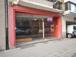 Een instapklaar handelsgelijkvloers - centrum Oostende nabij Kapellestraat - 30m² winkeloppervlakte + kelder 20 m² - 4 meter etalage - onmid
