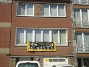 Laeken (réf : 7658) Situé à proximité de transports en commun et commerces, sympathique duplex composé de 3 chambre