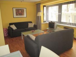 Instapklaar en centraal gelegen 1 slaapkamerappartement vlakbij zee en leopoldpark. 1ste verdieping. 1 slaapkamer met terras. Kelder.
