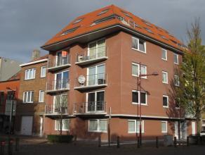 Ruim 2 slaapkamer appartement nabij de Spuikom met zonnig terras. Het appartement beschikt over een open keuken met berging en aansluiting wasmachine.