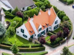 Stijlvolle goed gelegen villa nabij vogelzangpark en de Elisabethlaan te Oostende, omringd door een prachtige tuin, perceeloppervlakte: 1028 m²,