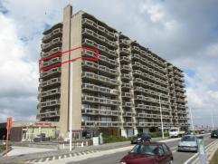 Ruim hoekappartement gelegen op de 7Â verdieping met grote living met zicht op zee, slaapkamer met zicht op de Wellingtonrenbaan, Ostend Golf en