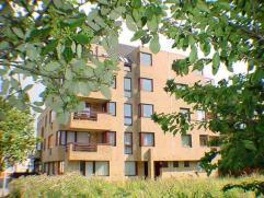 Zeer verzorgd appartement in Mariakerke op slechts 2 min. van zee en strand, gelegen op de 1e verdieping.Met 2 slaapkamers, een ruim terras en een ope
