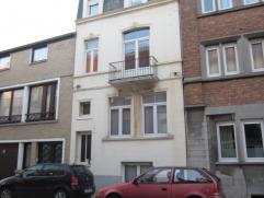 Instapklaar appartement met 1 slpk te Oostende, gemeubeld,op slechts 200 m van zee en strand, living, inger. keuken,65m² groot, 2e verdieping ( z