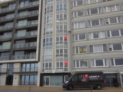 Gezellig appartement met open zicht op zee, living met open ingerichte keuken,1e verdieping, ruime slaapkamer met ingebouwde stapelbedden (2) en plaat