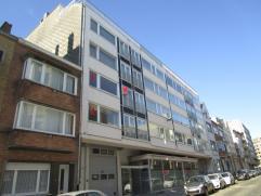 Ruim duplexappartement op de 1e en 2e verdieping - 3 slaapkamers en bureau - grote woonruimte verdeeld in een eet- en zitgedeelte met terras - op wand