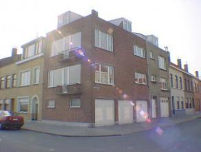 Zonnig appartement met 2 slaapkamers en uniek zicht op de spuikom - vuurtorenwijk.Er is een ingerichte keuken en een badkamer met douche.
