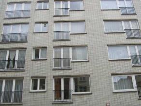 Appartement met 2 slaapkamers gelegen in het hartje van Oostende nabij de jachthaven. Ruime living met half open keuken. Badkamer met ligbad, lavabo e