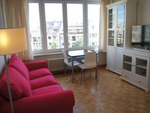 Gezellig appartement met 1 slaapkamer gelegen op de 5e verdieping aan het St.-Petrus en Paulusplein. Gelegen op enkele stappen van de winkelstraat en