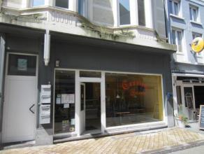 Centrum Oostende, vlakbij Langestraat, sinds jaren gekende zaak, binnen 16 zitpl, sterke meeneemservice, ruime mogelijkheden!