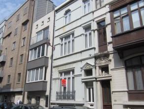 Ruime herenwoning gelegen in de prachtige belle epoquewijk te Oostende, vlakbij strand en bibliotheek, tal van mogelijkheden, alle info op kantoor.