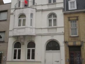 Gerenoveerd appartement met 1 ruime slaapkamer (mogelijks twee) gelegen in het Westerkwartier. Het appartement is gelegen in een prachtig herenhuis. E